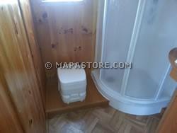 Modifiche interne zona bagno e personalizzazioni camper - Allestimento bagno ...